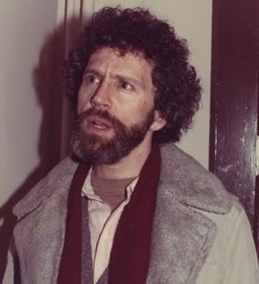 John Rubinstein (Peter Warrack)