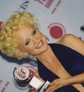 Christine Ebersole (Peter Warrack)