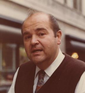 Dom DeLuise (Peter Warrack)