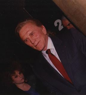 Kirk Douglas (Peter Warrack)