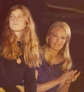 Caroline & Joan Kennedy (Peter Warrack)