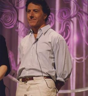 Dustin Hoffman (Peter Warrack)
