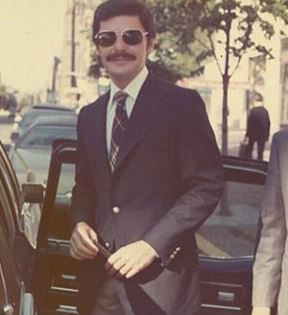 Richard Benjamin (Peter Warrack)