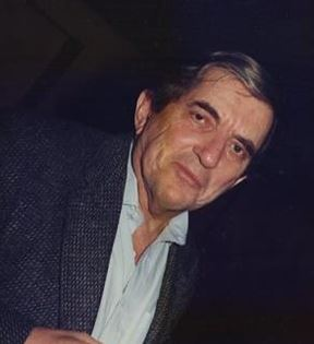 Jonathan Frid (Peter Warrack)