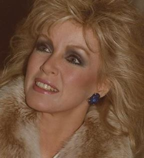 Donna Mills (Peter Warrack)
