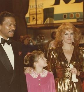 Drew Barrymore, Billy Dee Williams (Peter Warrack)