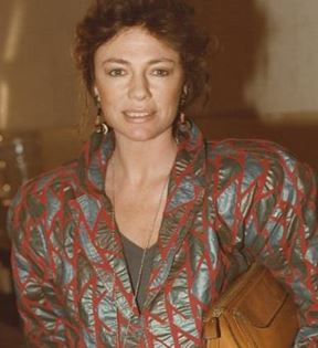 Jacqueline Bisset (Peter Warrack)