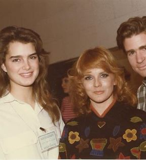 Brooke Shields, Ann-Margret, Treat Williams (Peter Warrack)