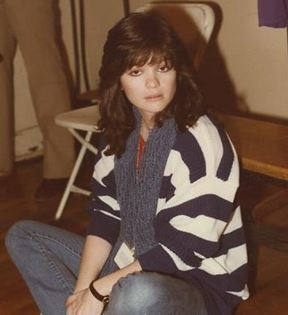 Valerie Bertinelli (Peter Warrack)