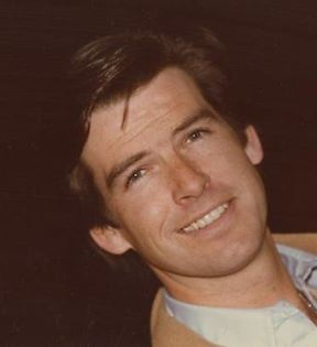 Pierce Brosnan (Peter Warrack)