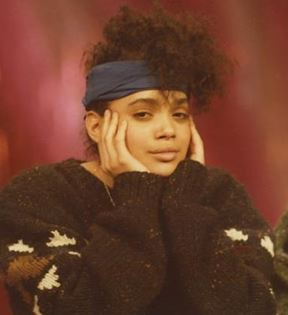 Lisa Bonet (Peter Warrack)