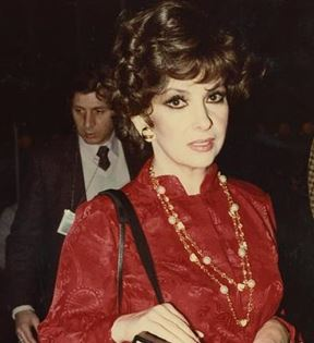 Gina Lollobrigida (Peter Warrack)