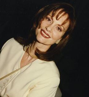 Lesley Ann Warren (Peter Warrack)