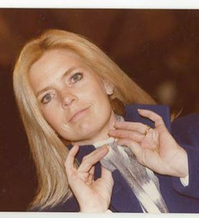 Meredith Baxter (Peter Warrack)