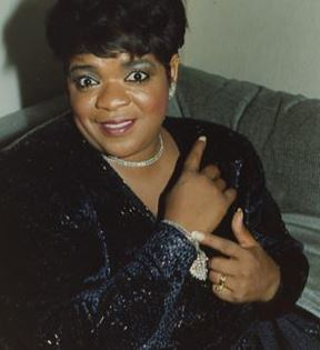 Nell Carter (Peter Warrack)