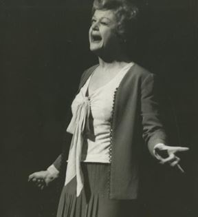 Angela Lansbury (Peter Warrack)