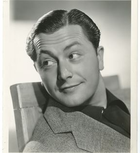 Robert Young (Clarence Sinclair Bull)