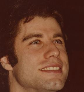 John Travolta (Peter Warrack)