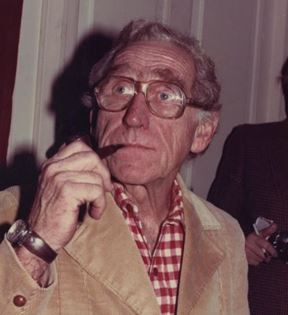 James Whitmore (Peter Warrack)
