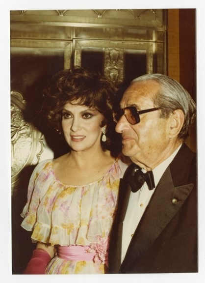 Gina Lollobrigida & Joseph E. Levine (Peter Warrack)