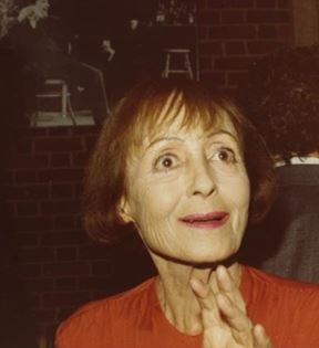 Luise Rainer (Peter Warrack)