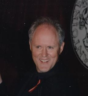 John Lithgow (Peter Warrack)