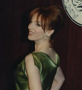Marilu Henner (Peter Warrack)