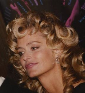 Farrah Fawcett (Peter Warrack)