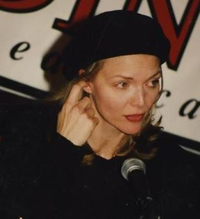 Michelle Pfeiffer (Peter Warrack)