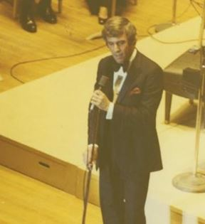 Burt Bacharach (Peter Warrack)
