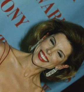 Christine Baranski (Peter Warrack)