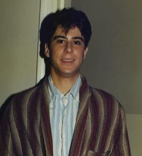 Jonathan Silverman (Peter Warrack)