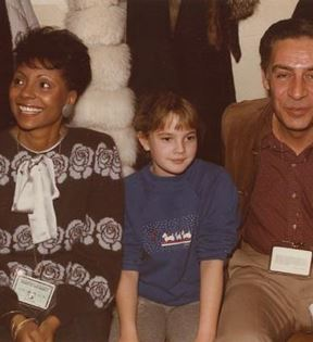 Drew Barrymore, Leslie Uggams & Jerry Orbach (Peter Warrack)