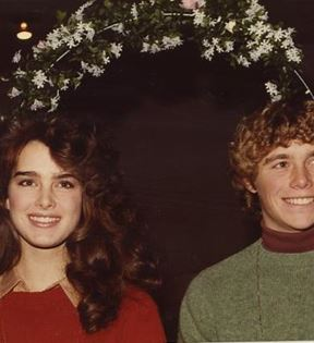 Brooke Shields & Christopher Atkins (Peter Warrack)