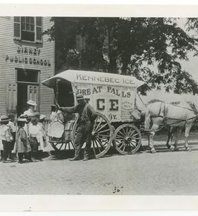Ice Delivery Wagon (Frances Benjamin Johnston)
