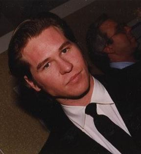Val Kilmer (Peter Warrack)