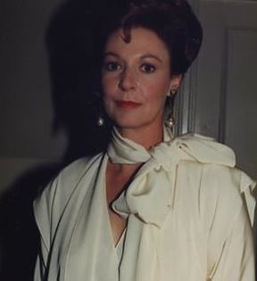 Jane Alexander (Peter Warrack)