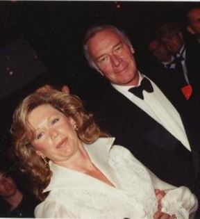 Christopher Plummer (Peter Warrack)
